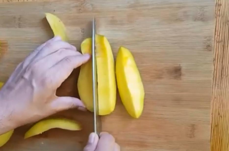 Mango_Cut_Schneiden_2